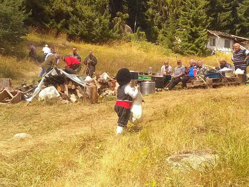 къща карина село орехово супер цени нощувки промоция балкан туризъм българия